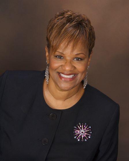 Donna Ennis Headshot